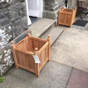 teak garden planter set