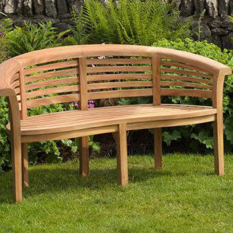 Buy wooden garden tables online in Yarm